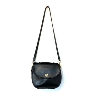 Coach vintage leather black turnlock bag crossbody